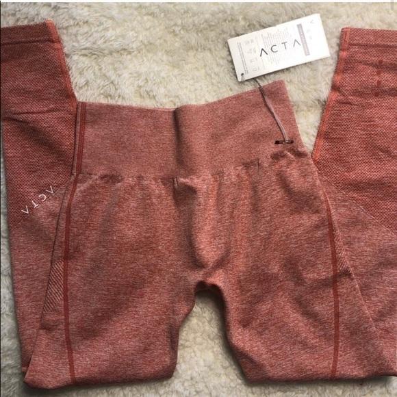 ACTA leggings